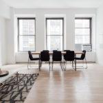 Dlaczego warto inwestować w podłogi typu classic parkiet?